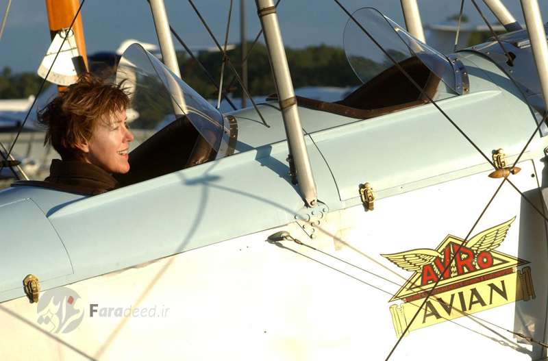 """خلبان زن """"کارلت مندیتا"""" سفر خود به سراسر امریکا با یک فروند هواپیمای قدیمی در 5 سپتامبر از نیویورک را آغاز کرد؛ پس از 11 سپتامبر و با بسته شدن حریم هوایی امریکا سفر او نیز نیمه تمام ماند."""