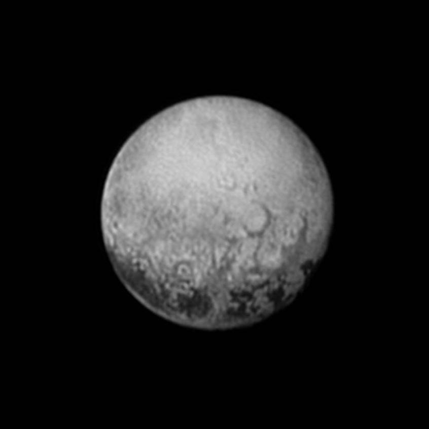 پلوتو از دید افق های نو دو روز قبل از رسیدن